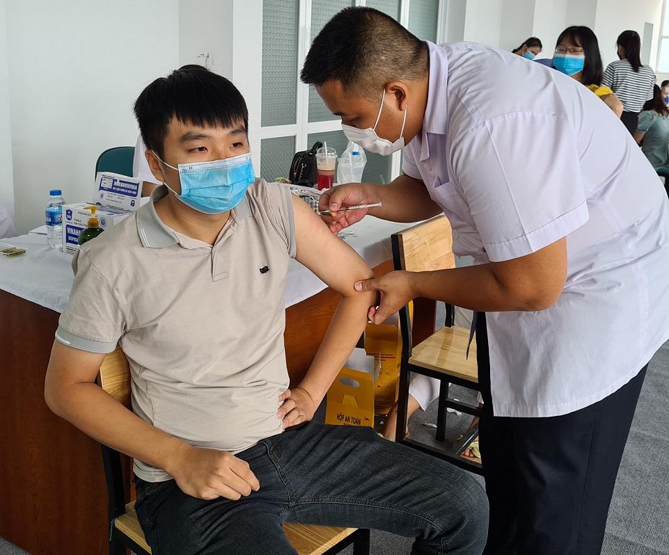 Hải An Group tổ chức tiêm vắc xin Covid-19 cho người lao động